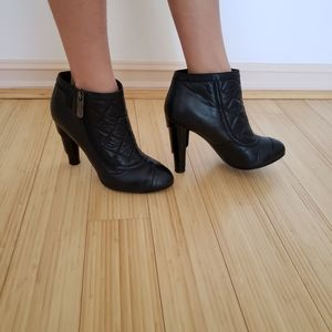Chanel Boots Black 4inch Hill Leather size 40EU